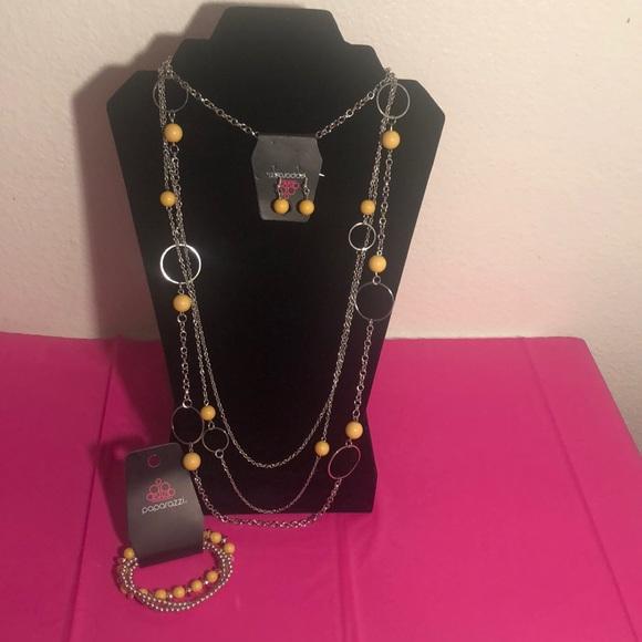 paparazzi Jewelry - Necklace and bracelet